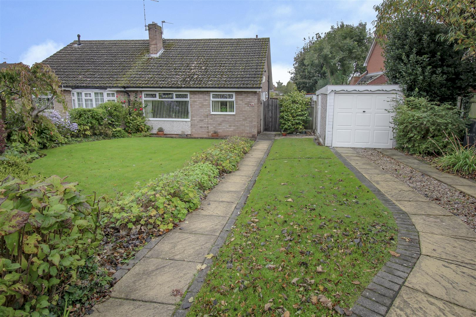 2 Bedrooms Bungalow for sale in Blake Road, Stapleford